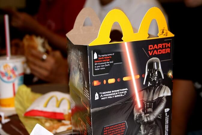 Star-Wars-Darth-Vader-Happy-Meal-Collectible-1