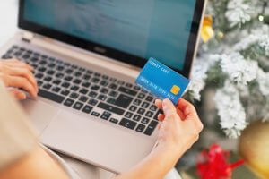 Entering-Credit-Card-number-online-300x200