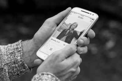 """TalenAlexander How to Get Potential Clients to """"Swipe Right"""" on Your Personal Brand iPhone"""